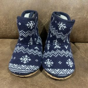Old Navy fair isle baby booties
